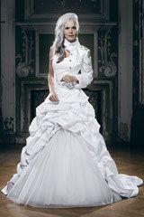 Extravagante Brautmode Schwarze Brautkleider Rote Brautkleider
