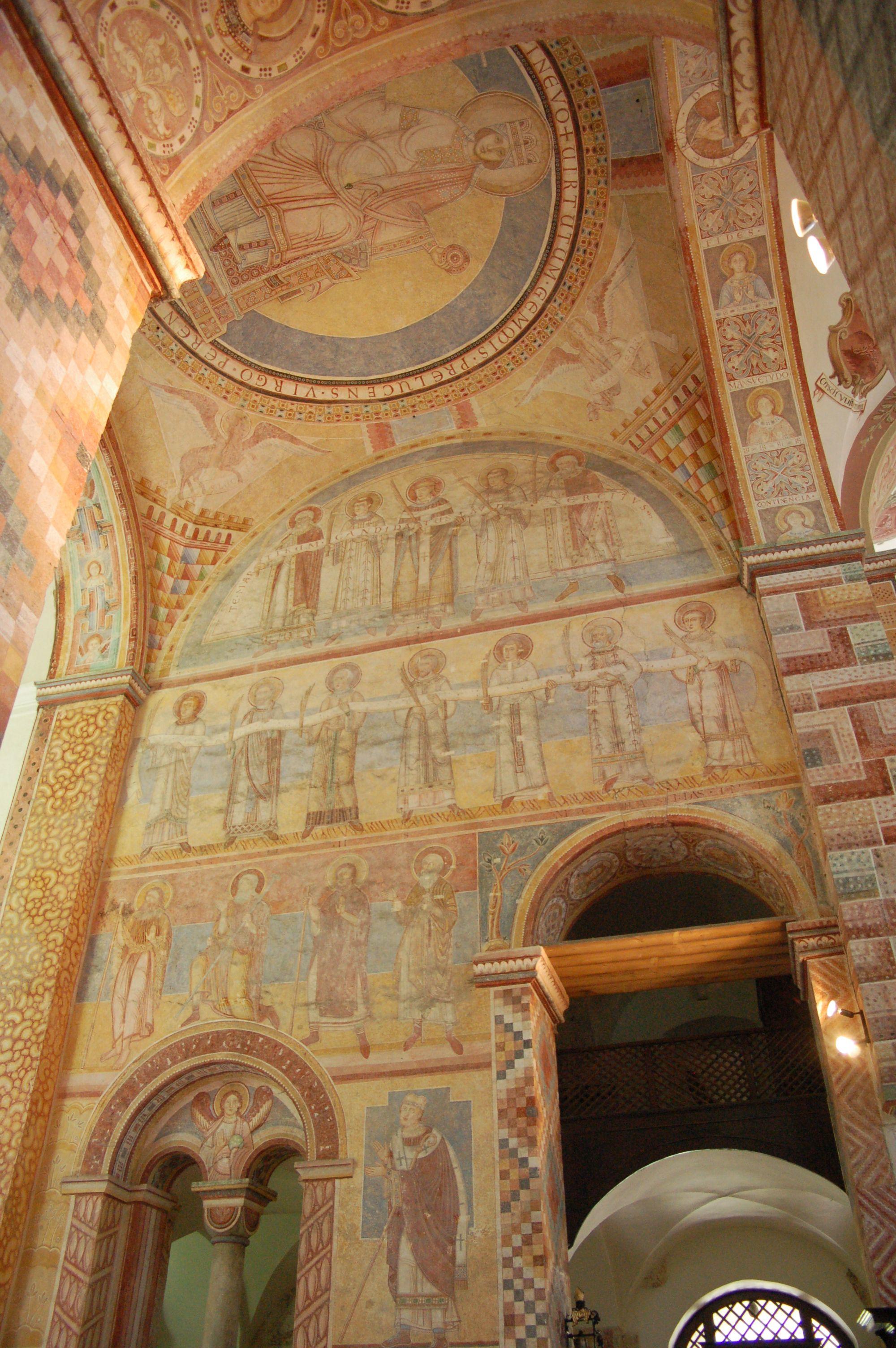 Romanische Wandmalereien im ehemaligen Kloster Prüfening in Regensburg. Otto von Bamberg ist unten in der Mitte zu sehen.
