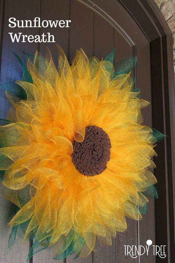 Photo of Sunflower Wreath – Trendy Tree Blog| Holiday Decor Inspiration | Wreath Tutorials|Holiday Decorations| Mesh & Ribbons