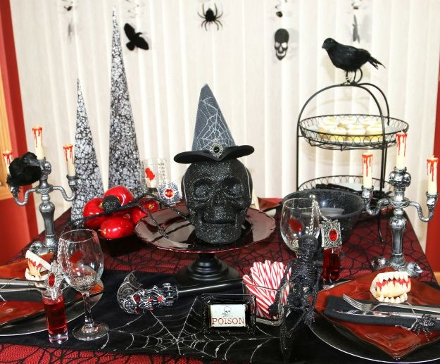 How to Create an Elegant Gothic Halloween Tablescape | Gothic ...