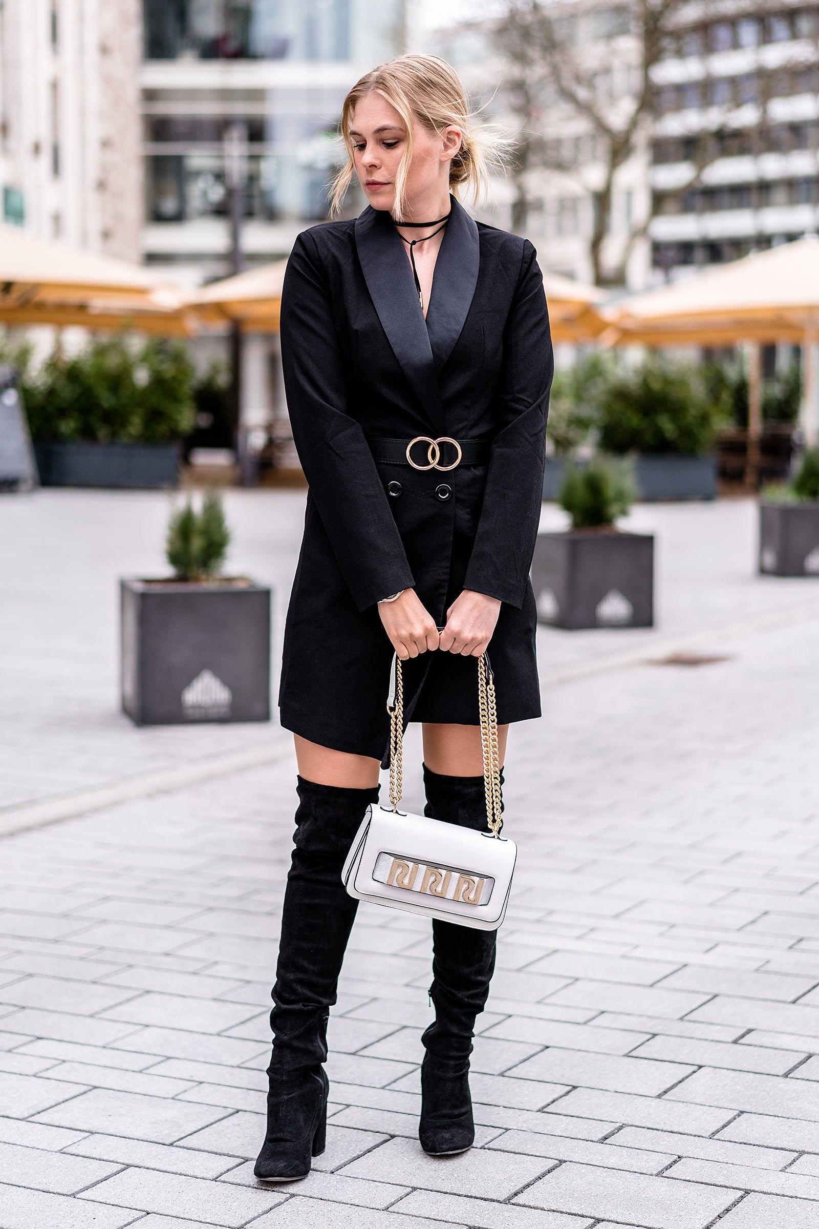 Outfit  Blazerkleid, schwarze Overknees   weiße Handtasche    Fashion  Blogger, Smokingkleid, schwarz, Sunnyinga ae29be8588