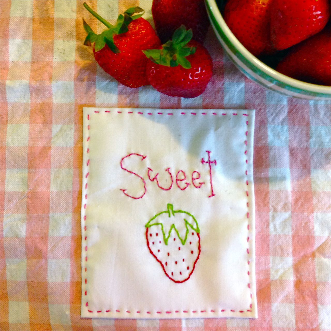 Mandy's Country Mouse | Sweet Strawberry Stitchery