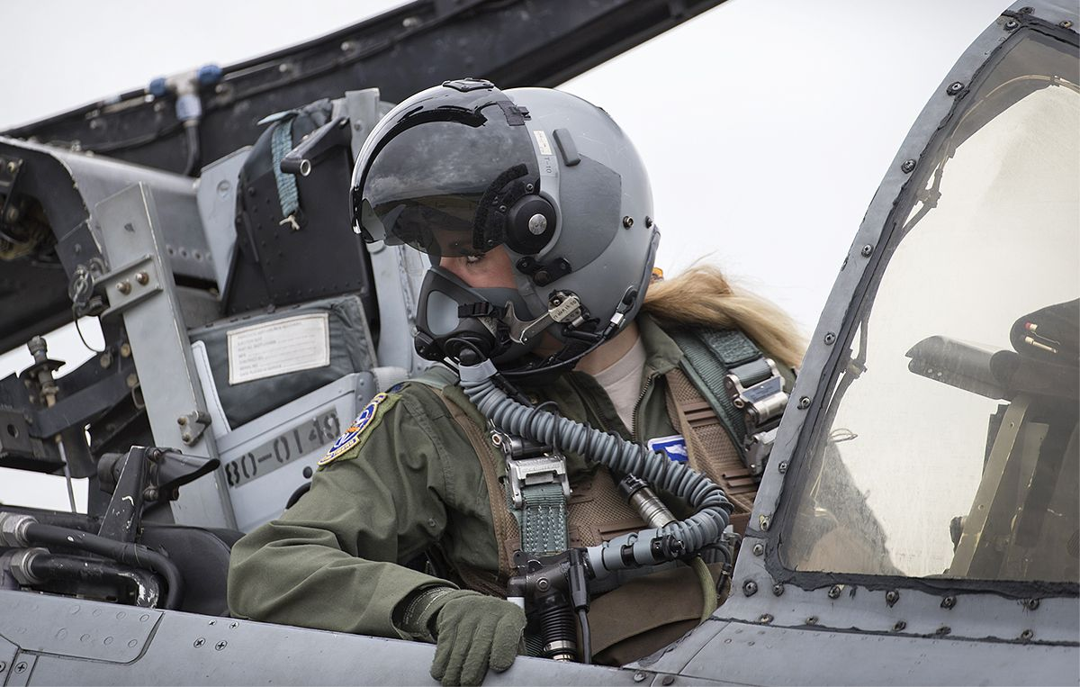 How A Small Town Girl Ended Up In The Cockpit Of An A 10 Warthog