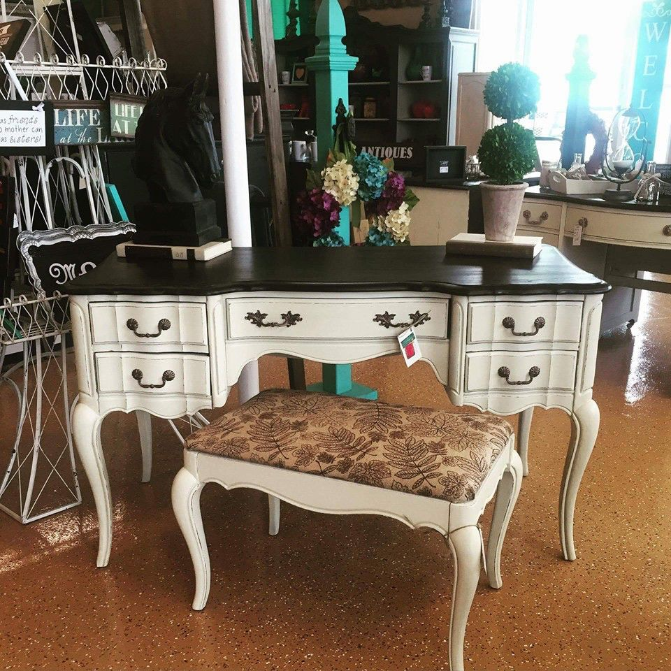 French Provincial Vanity Desk With Stool Www Facebook Esthersemporiumpaintedfurniture