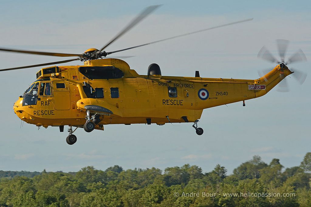 UK Royal Air Force Seaking HAR3 helicopter, RIAT 2015, Photo : André Bour - www.helicopassion.com