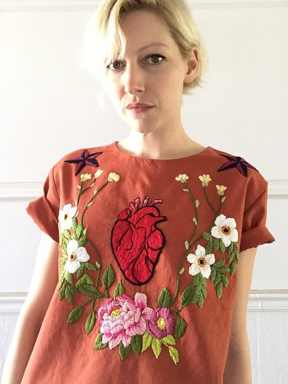 fe55ec9b Floral Frida anatomical heart top | Wardrobe Fantasy | Ropa bordada ...