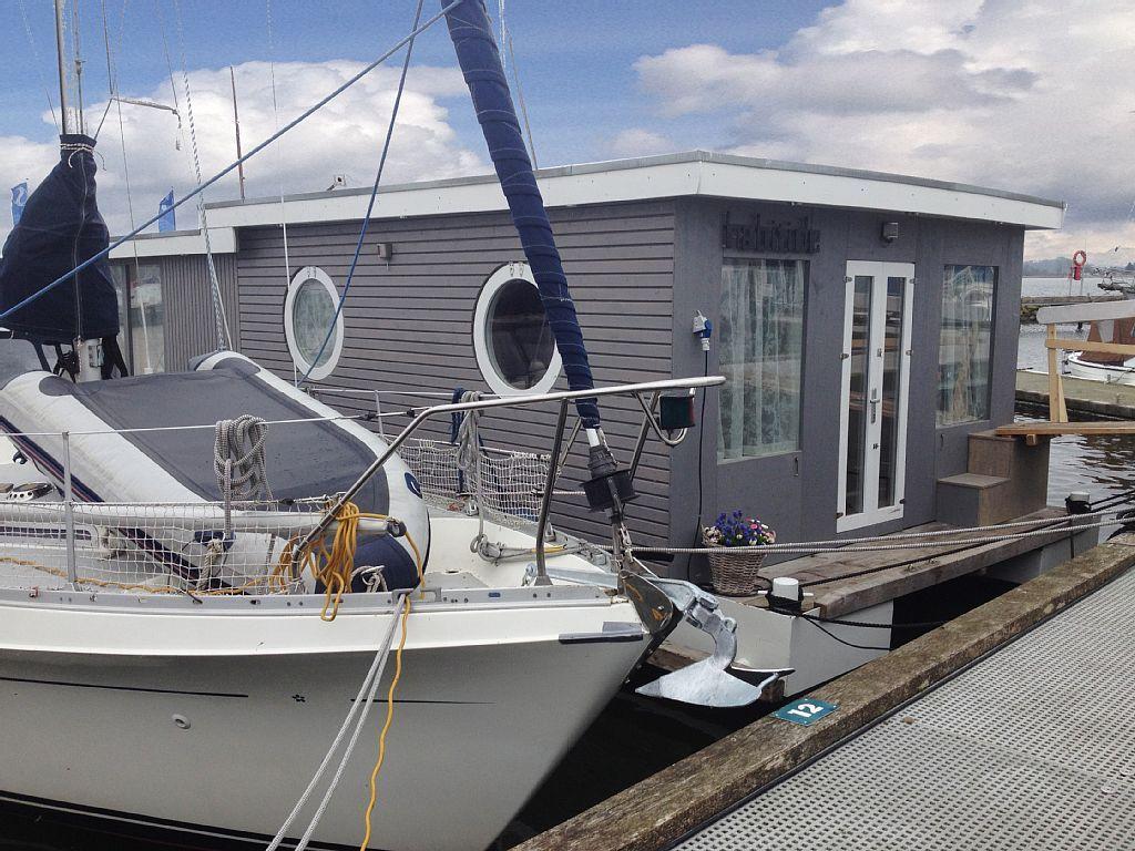 Neues schlafzimmer interieur neues ecoluxus holzhausboot in schleswig  schlafzimmer für bis