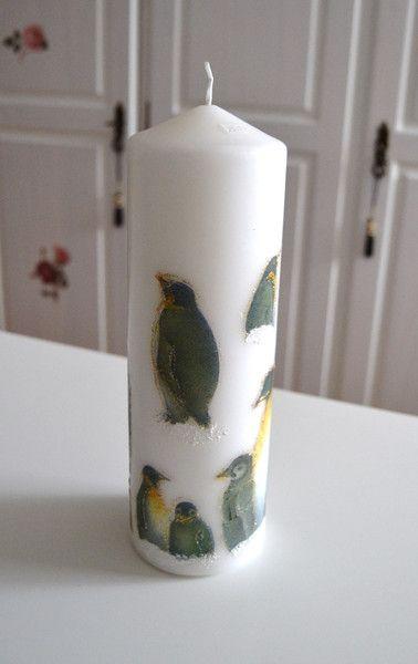 Kerzen & Beleuchtung - Weihnachtskerze weiß Motiv Pingunine von www.geschenke-tee-keramik.de