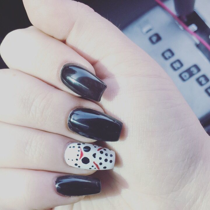 75 Cool And Easy Halloween Nail Ideas You Are Bound To Try Koees Blog Halloween Nails Easy Halloween Nails Diy Halloween Nail Designs