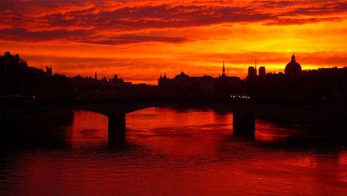 Lever du soleil sur la seine france aurore pinterest terre de sienne couchers de soleil - Lever et coucher du soleil france ...