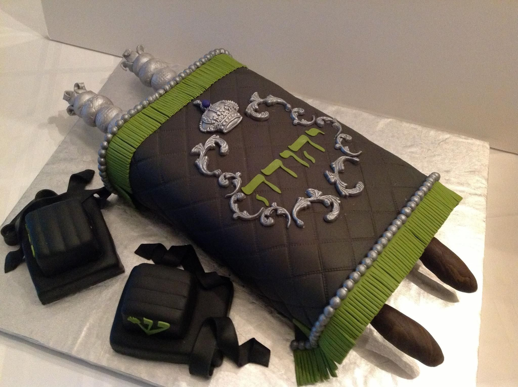 Torah cake bar mitzvah Bar mitzvah Pinterest Bar ...