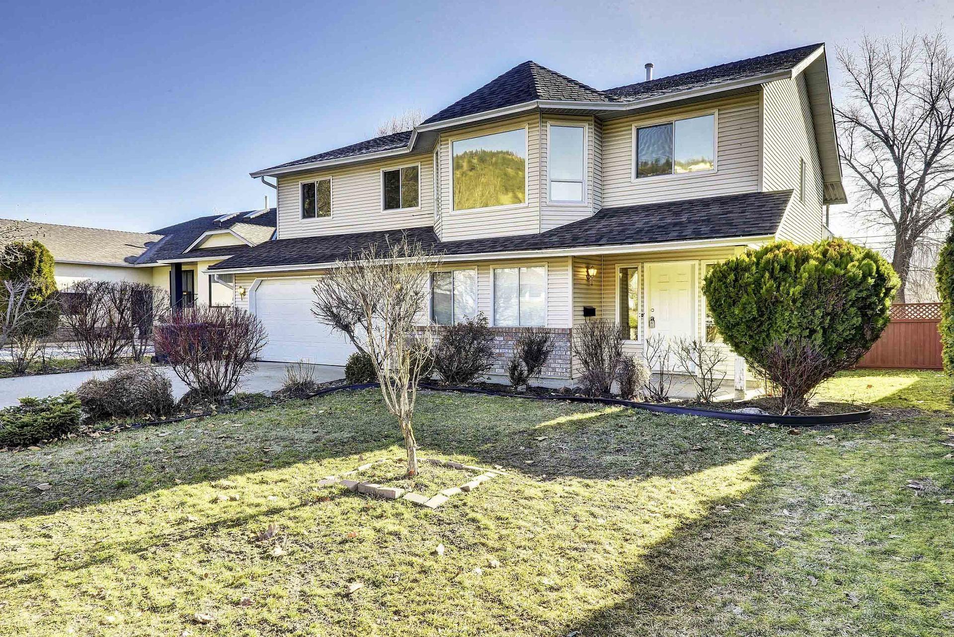 241 Ranchland Road Kelowna Bc V1v 1t3 Homes For Sale
