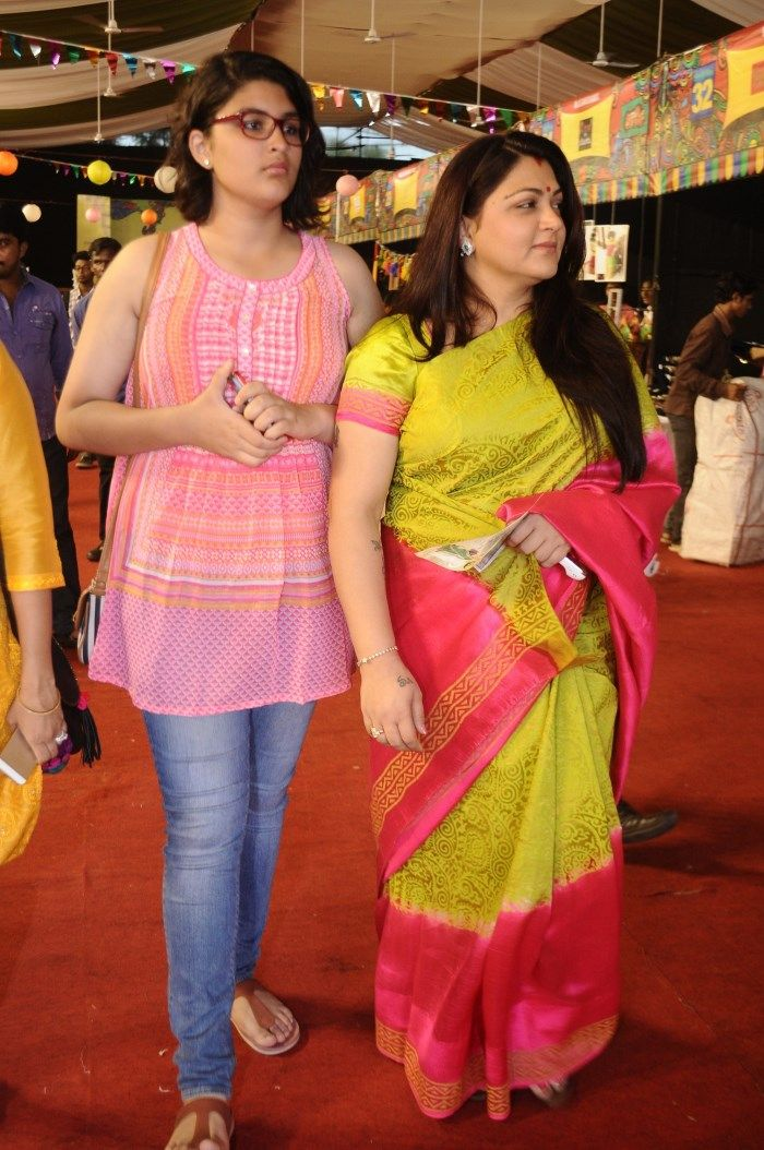 Actress Kushboo With Her Daughter Avanthika Trendy Plus Size Fashion Indian Fashion Clothes For Women