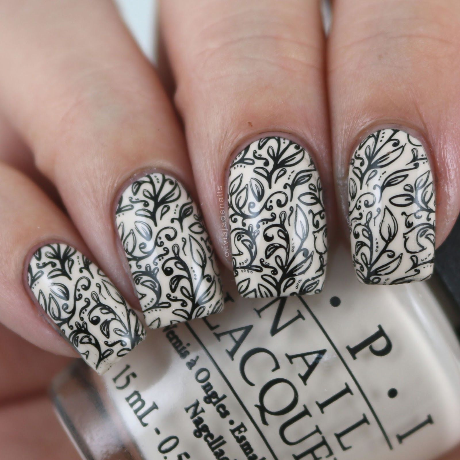 UberChic Beauty Lovely Leaves Stamping Plate - Swatches & Review by Olivia Jade Nails. Fall is here! Time to share that lovely fall feeling on your nails! #UberChicBeauty #UberChic #nails #nailaddict #nailart #nailstamps #lovelyleaves #fall #leaves