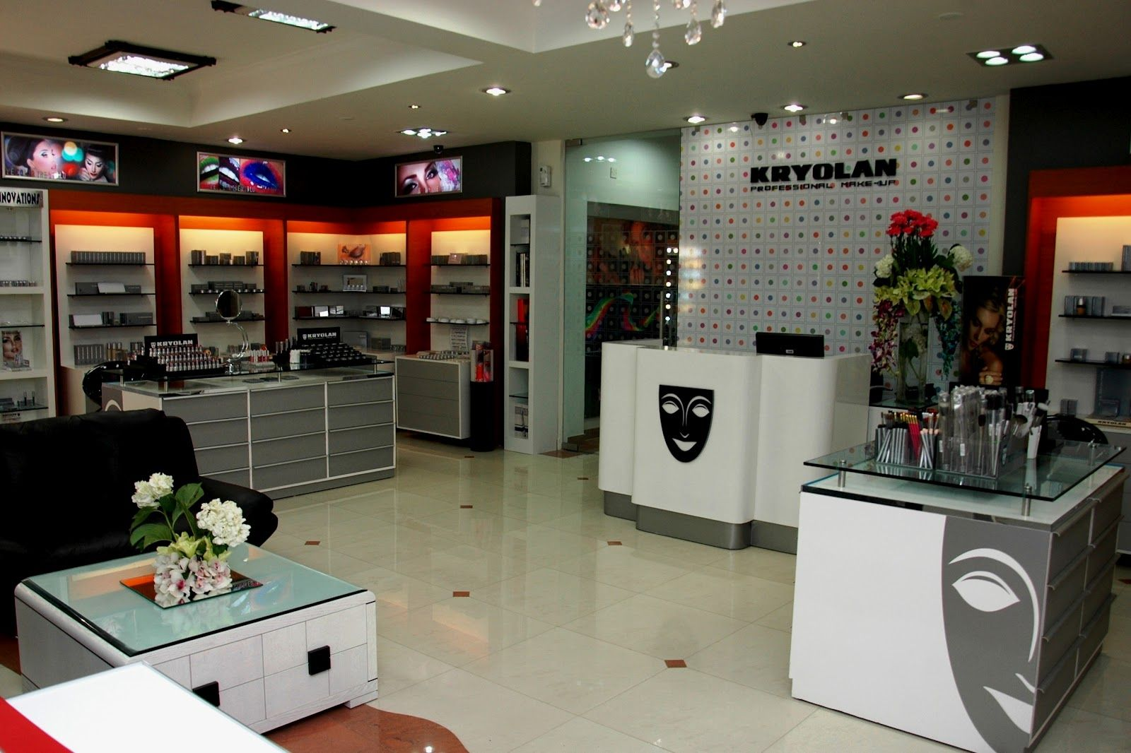 Car Accessories Showroom Google Search With Images Interior