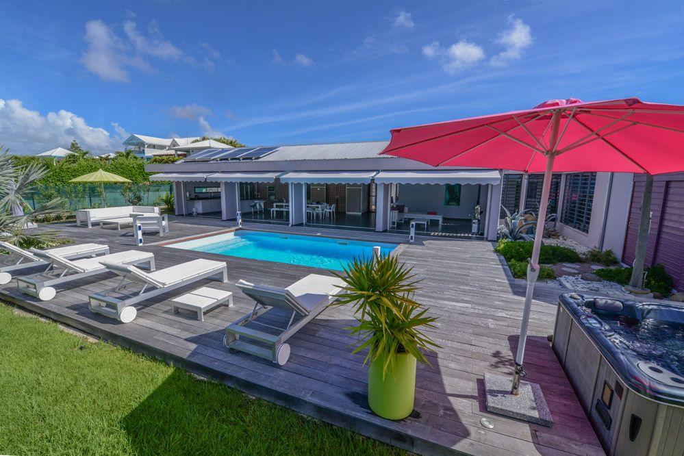Location de villa de luxe en Guadeloupe : piscine, Saint - François
