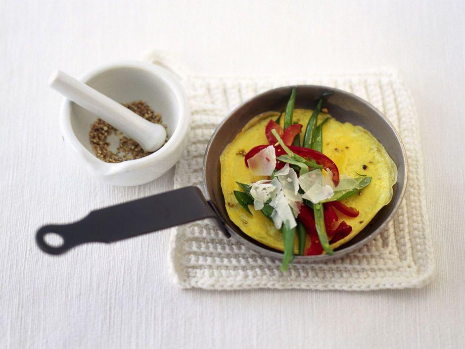 Ob Spiegel-, Rührei oder gekocht - Eier sind schnell zubereitet. Drei bis vier pro Woche sind okay, sagen Experten. Und das Cholesterin ist für Gesunde keinProblem. Also ab in die Pfanne damit, solange sie noch frisch sind! Wir halten leckere Rezepte bereit.