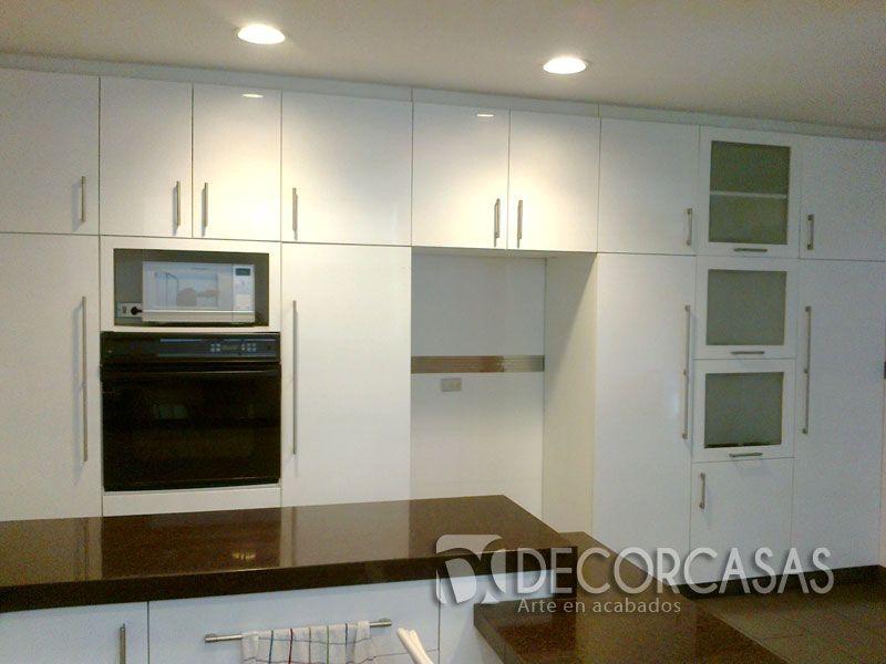 Alacena con espacio para refrigeradora microondas y horno - Colgar microondas cocina ...