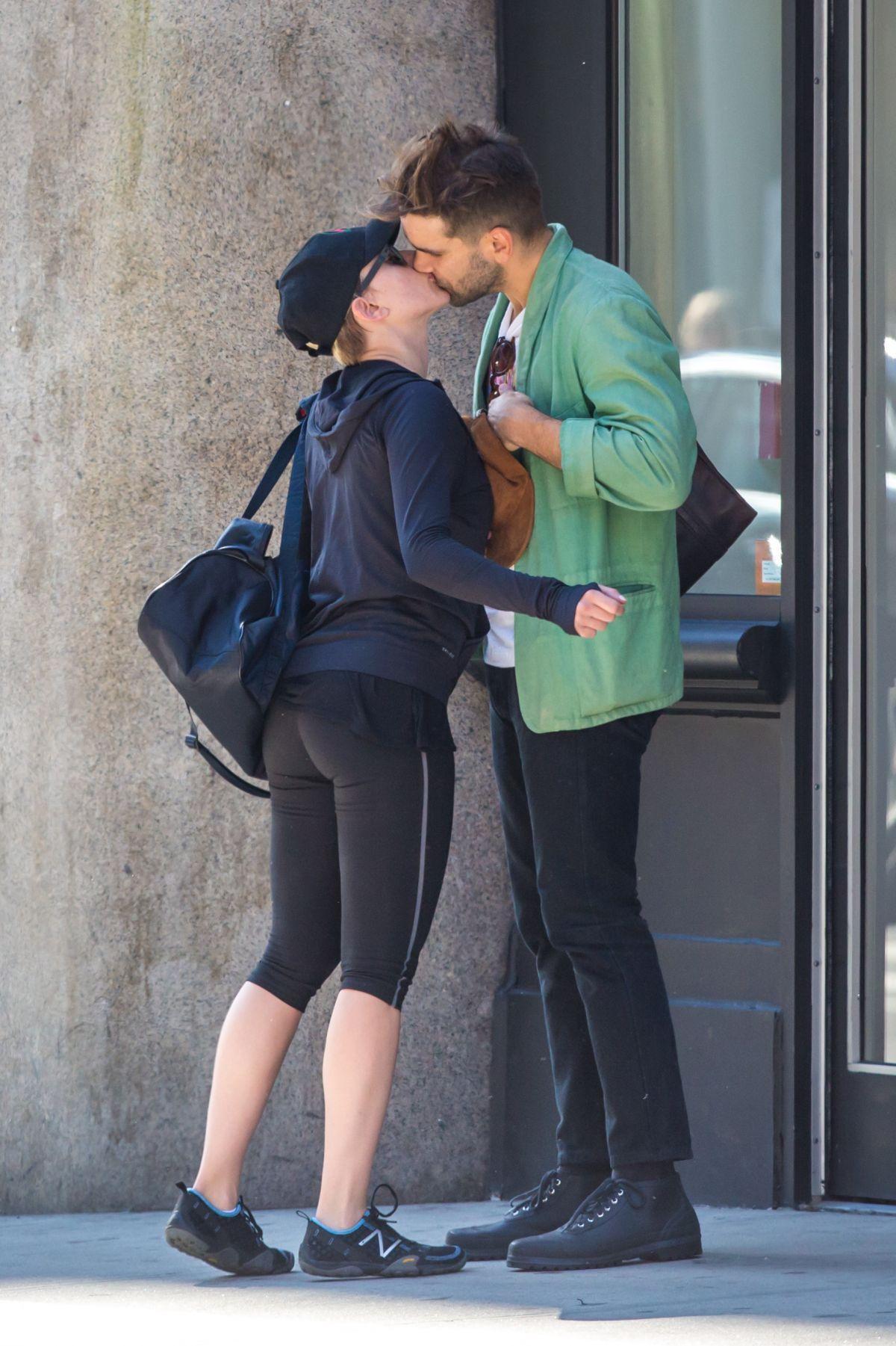 Scarlett Johansson Tight Pants