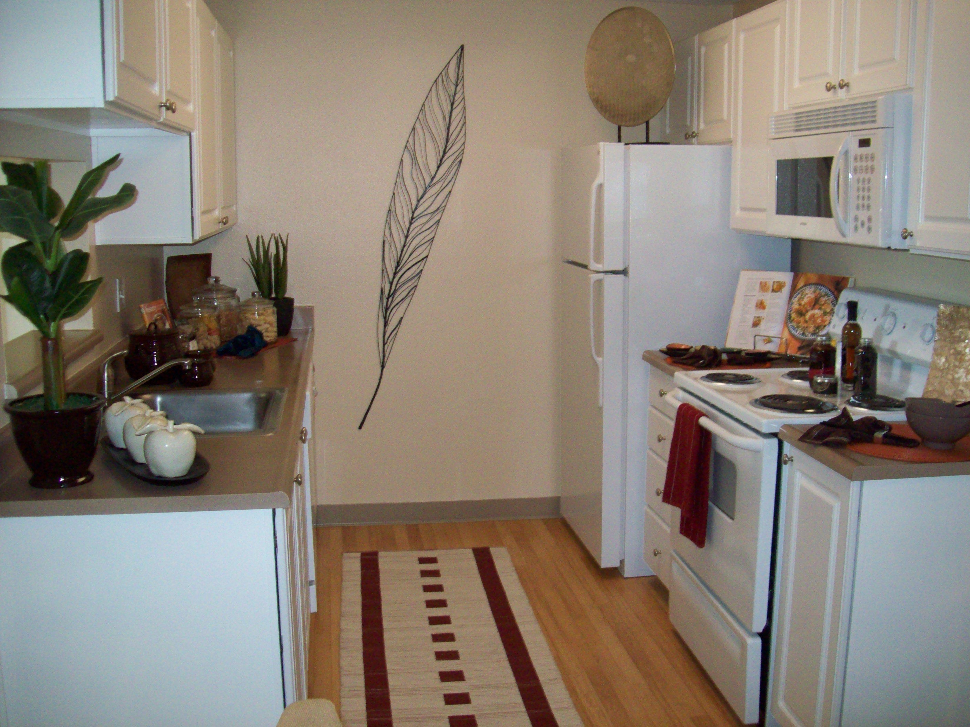 Cascade Onebedroom, One Bath 644 sq. feet Kitchen
