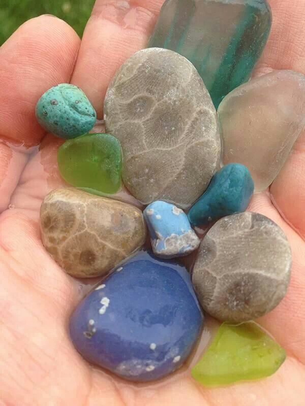 I used to be able to find rocks of this color in Leland. Love Fishtown!