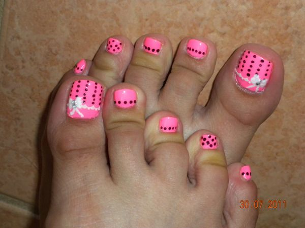 Neon Pink With Black Dots And Art Elaina Y S Hautepink Photo Toe Nail Designs Toe Nails Cute Toe Nails,Modern Interior Design Living Room Black And White