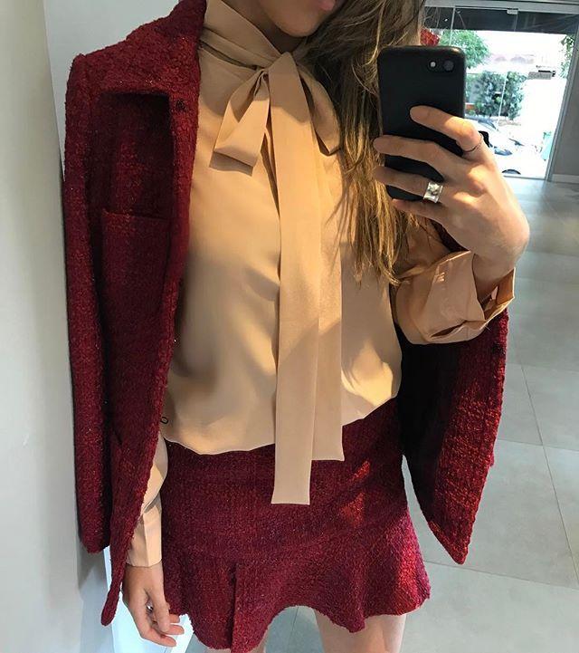 Instagram media by thelurecampinas - Amando esse conjunto Tweed (Saia + Maxi Casaqueto) com Camisa Seda Rosé | #thelurecampinas #previewoutonoinverno #tfseven