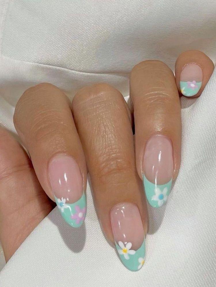 Pin by Paityn Skylar on Nails | Swag nails, Minimalist