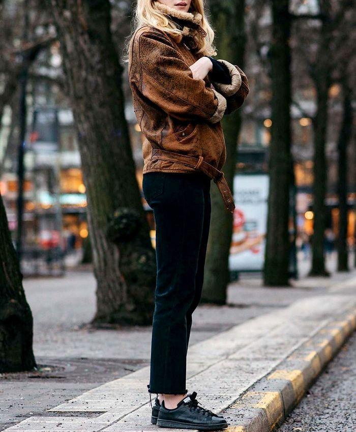 Wanted : une paire de baskets noires (photo Vogue)