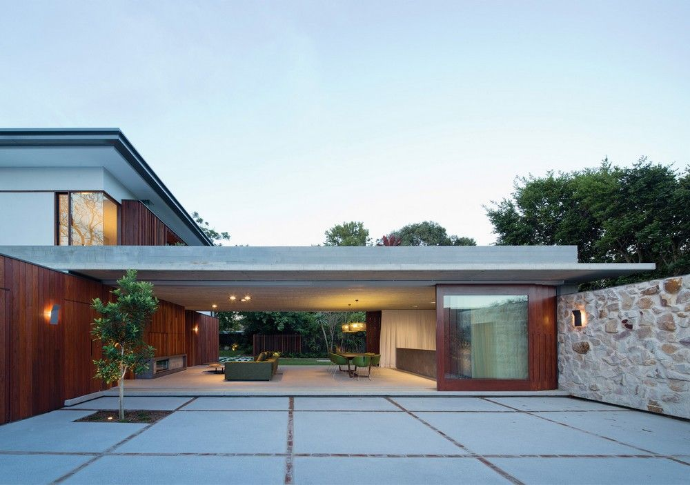 exterior modern residence Hunters Hill House Built in Reference to