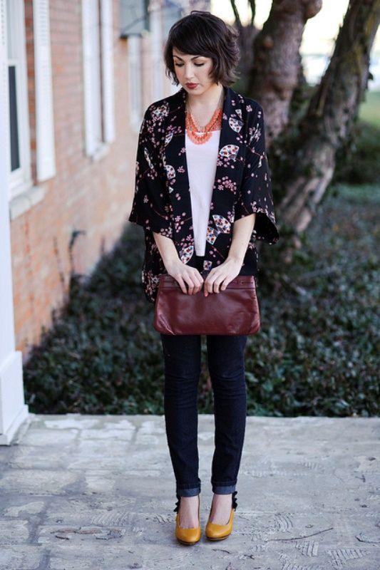 Padu Padan Outer Kimono Yang Cantik Dengan Celna Jeans Dan Kaos