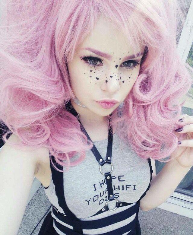 Cool Pink Hair Nice Freckles Kawaii Also A Deeper Hawaii Cosmo