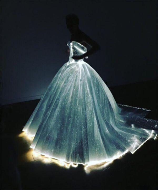 Claire Danes Met Ball Dress Light Up