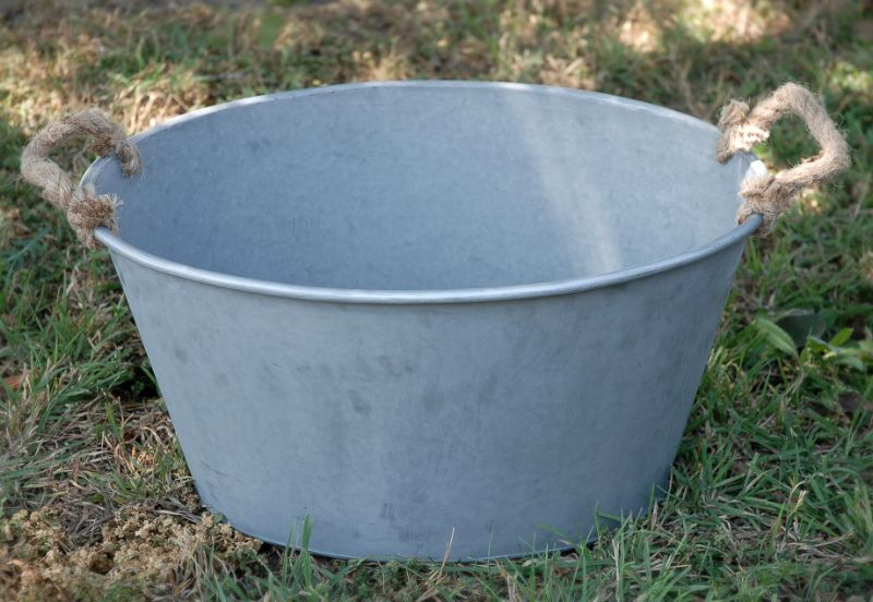 Large Metal Tub With Rope Handles 14 X 20 5 Oval Decor