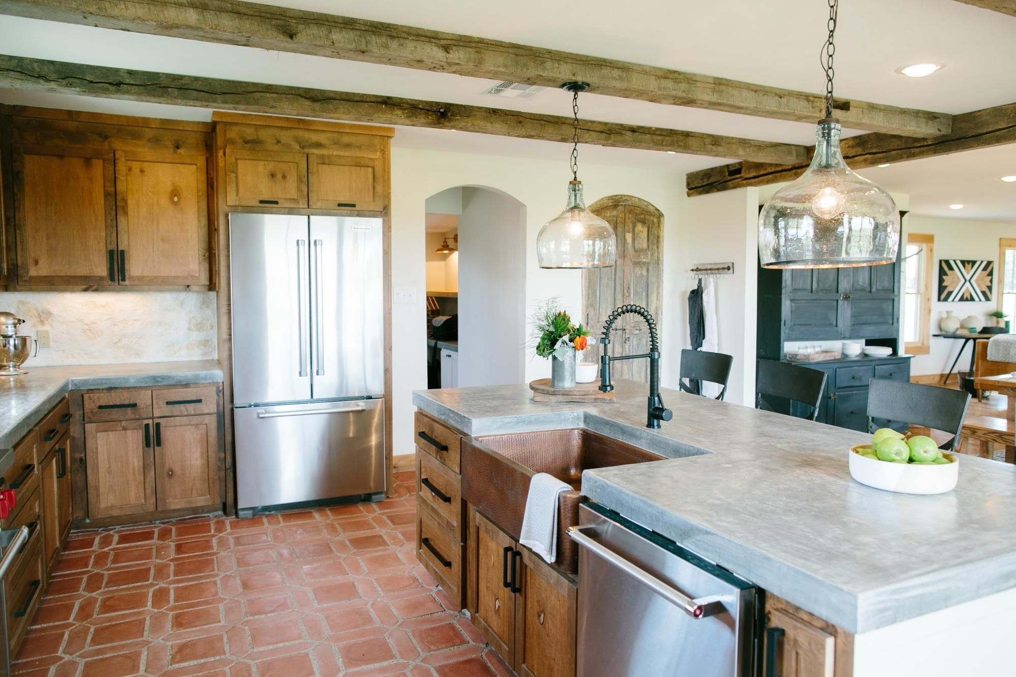 Fixer Upper. Fixer Upper   House  Kitchens and Fixer upper episodes