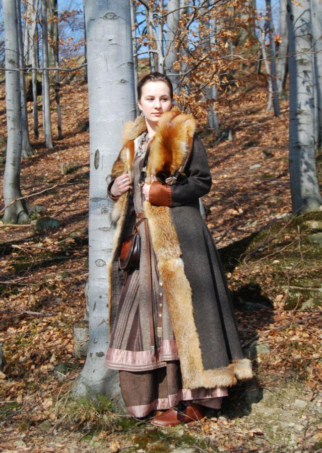 Viking coat Grey coat wit fox skins. Othala Craft