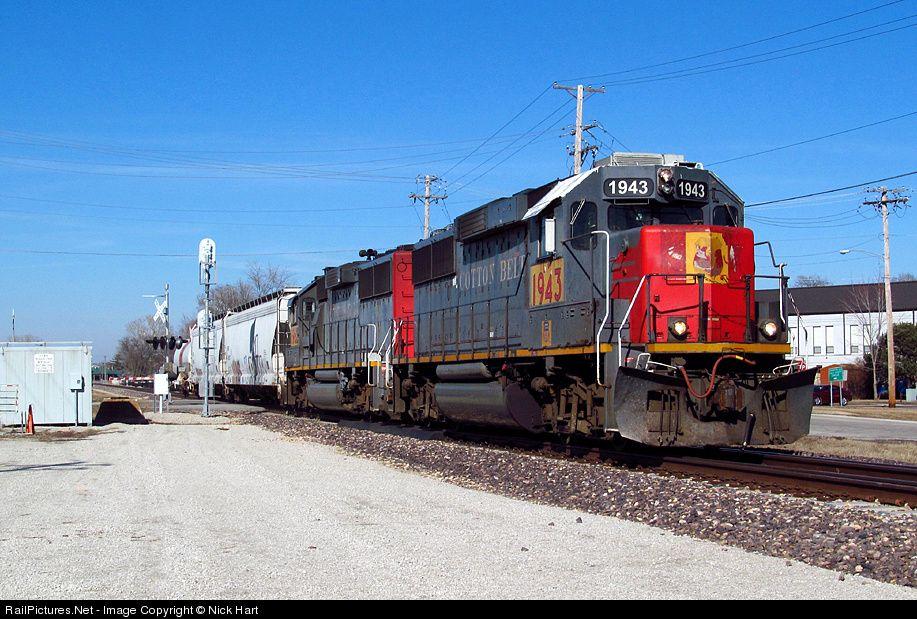 Up 1943 St Louis Southwestern Railway Cotton Belt Emd Gp60 At Pontiac Illinois By Nick Hart Pontiac Railway Southwestern