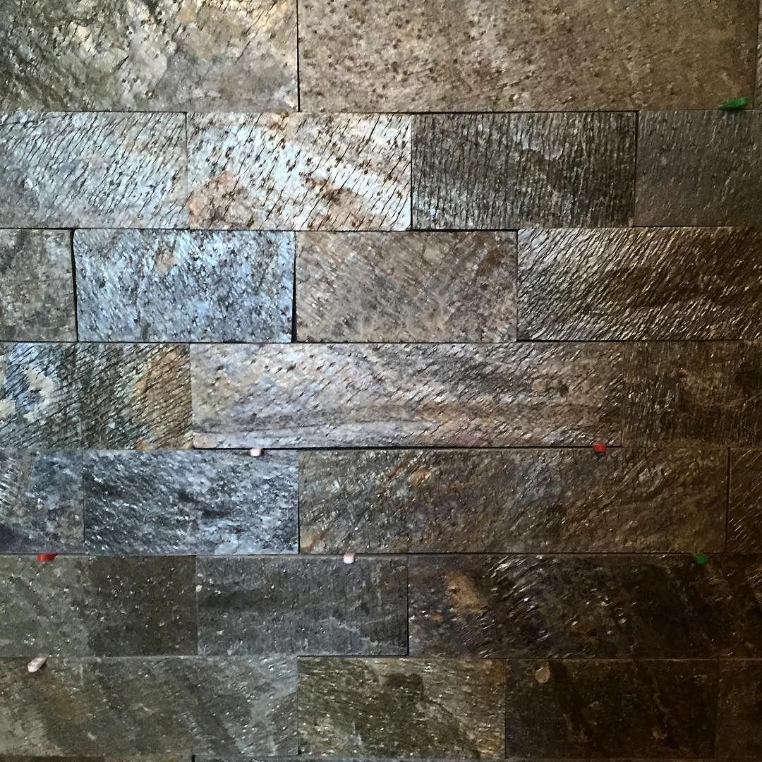 #石 #タイル #キッチン #リノベーション #建築 #slate #tile  #silver #green #renovation #kitchen #architecture #residence #tokyobay #coast #coastline by coaster357
