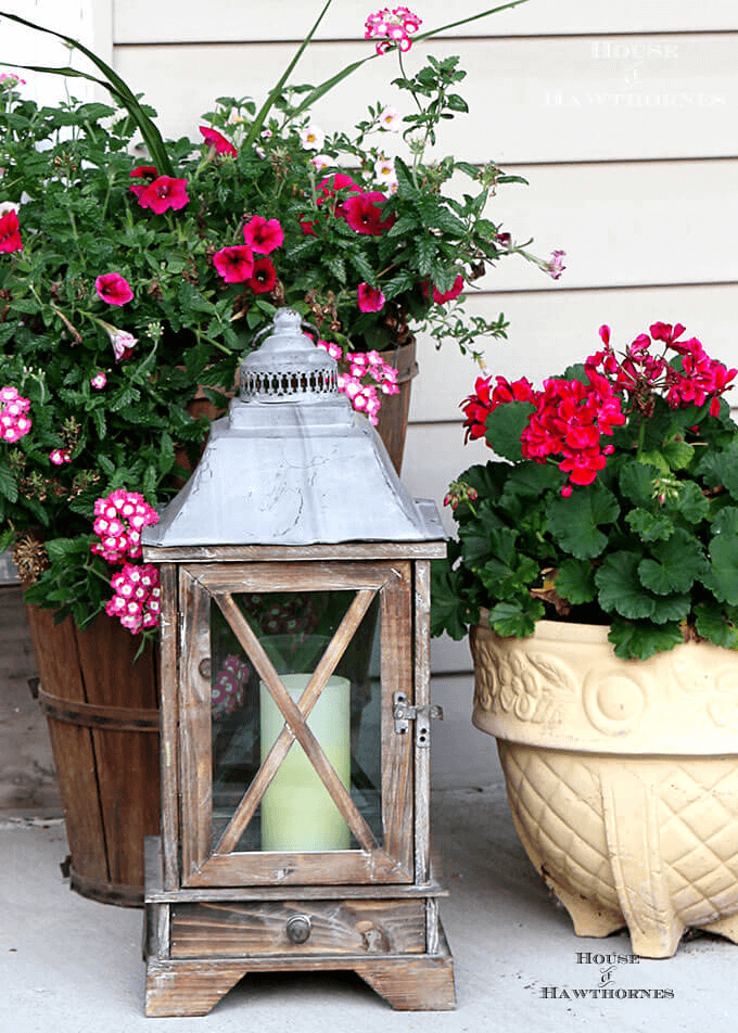 19 Rustic Front Porch Décor Ideas for Small House #smallporchdecorating