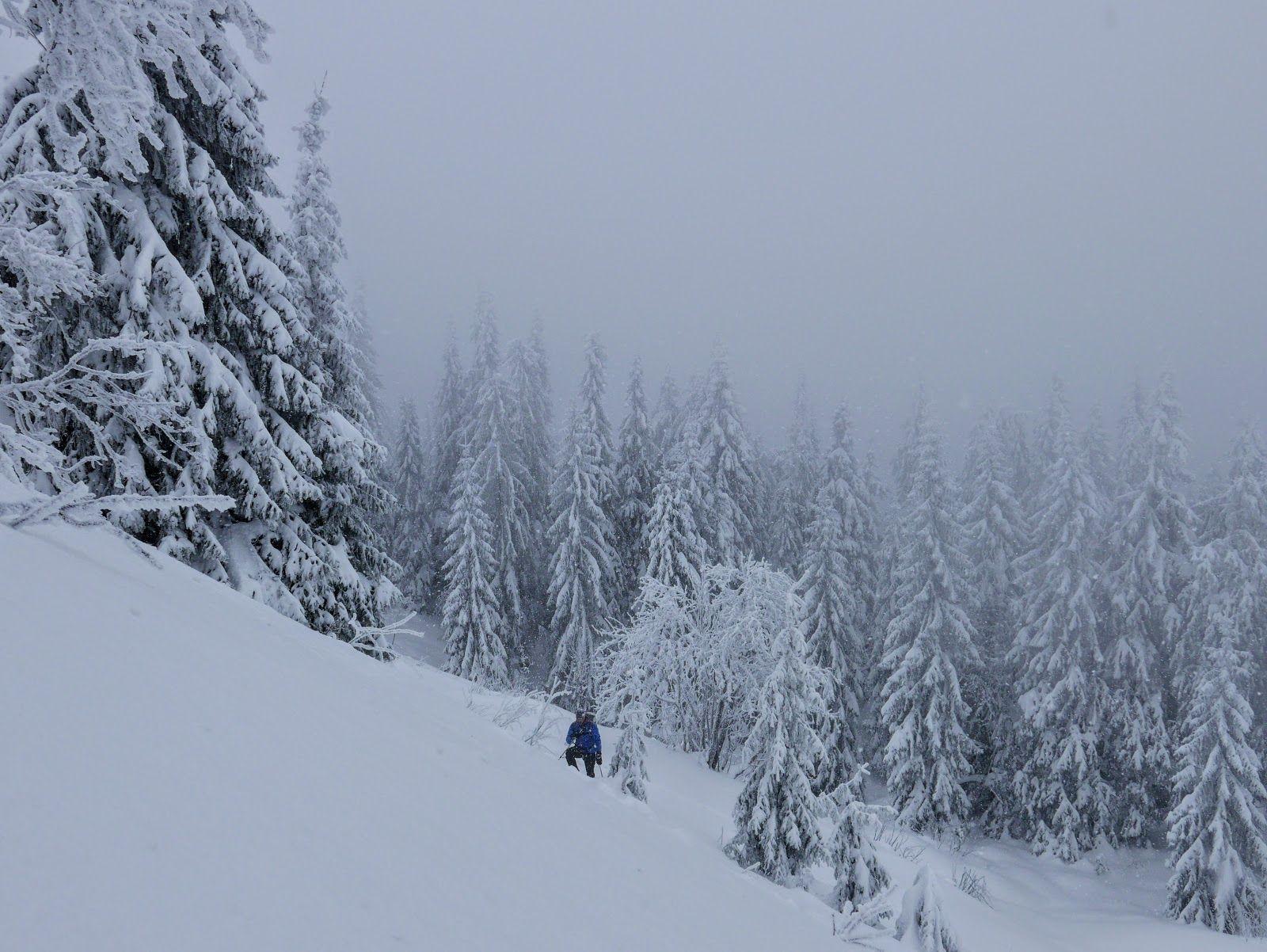 Z Gorami W Tle Beskid Zywiecki W Zimowej Odslonie Pilsko W Patri Snow Outdoor