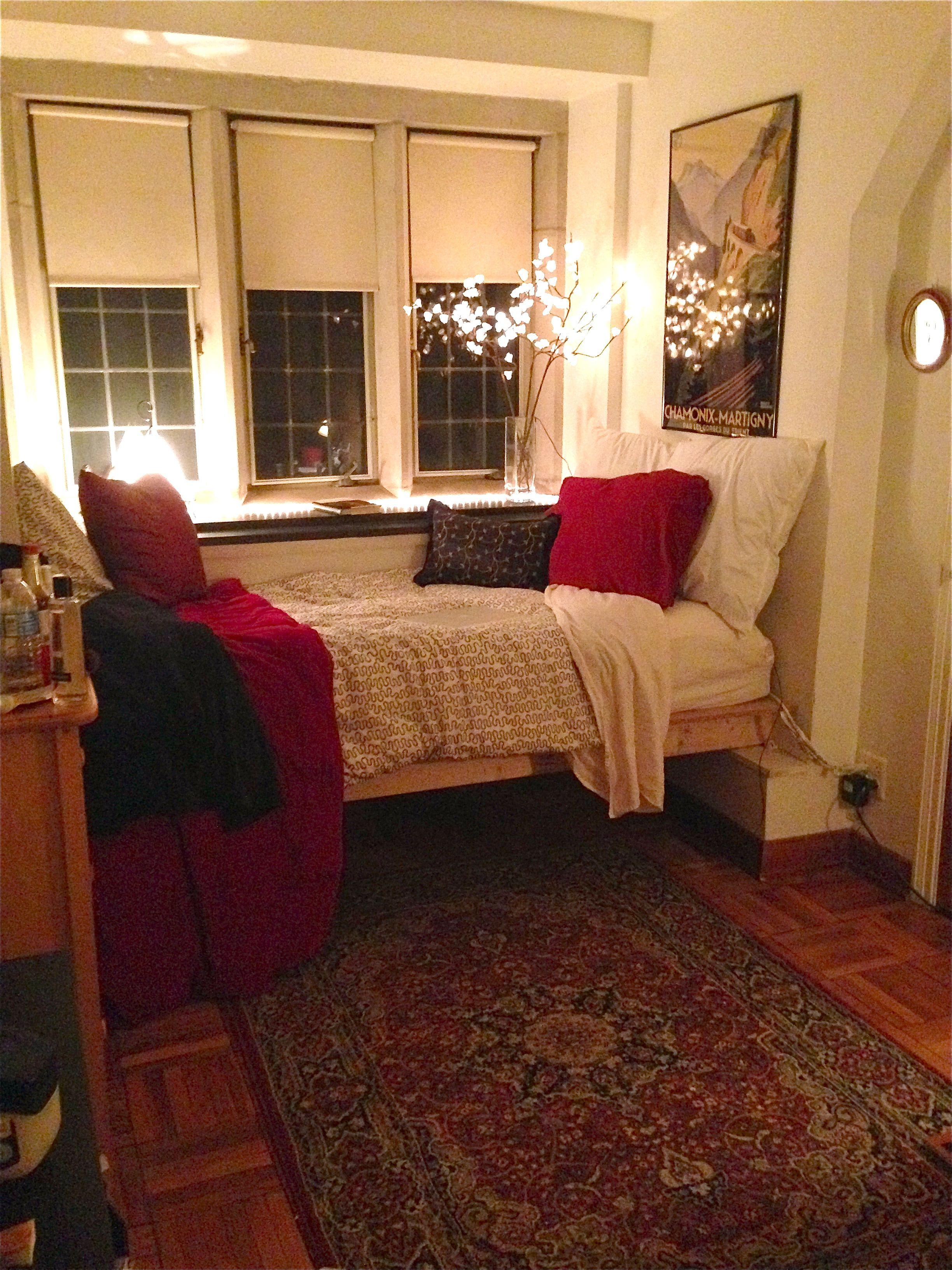 Bryn Mawr College Dorm Room
