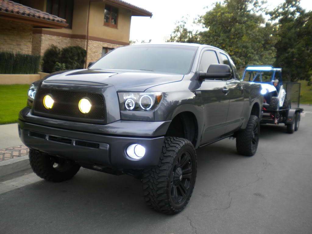 Heavily modified 08 tundra 6 pro comp 22 xd monster 35x12