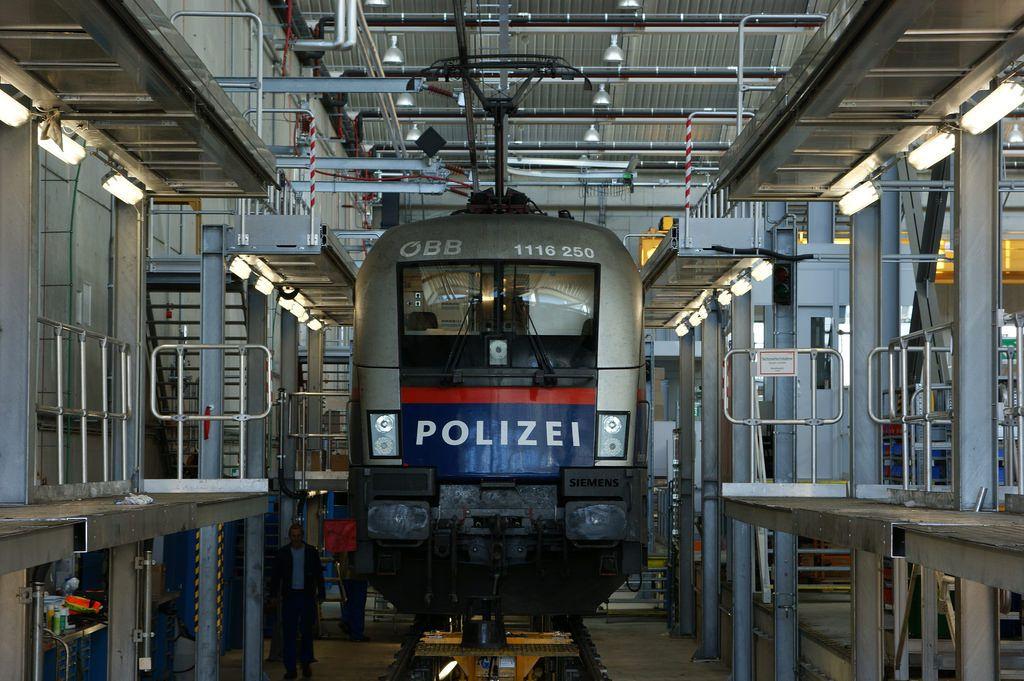 1116 250  Wien Matzleinsdorf  17-09-2012