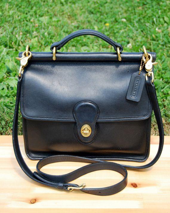dadad53109b1 Vtg. COACH Willis Bag in Black    Vtg. Black Leather Crossbody Purse     Excellent Vintage Condition    Style 9927    Coach Messenger Bag