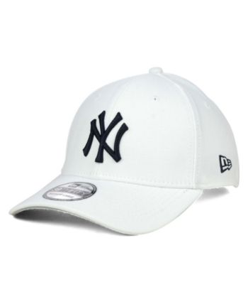 c31dc2a35d0a9 New Era New York Yankees Core Classic 39THIRTY Cap - White L XL
