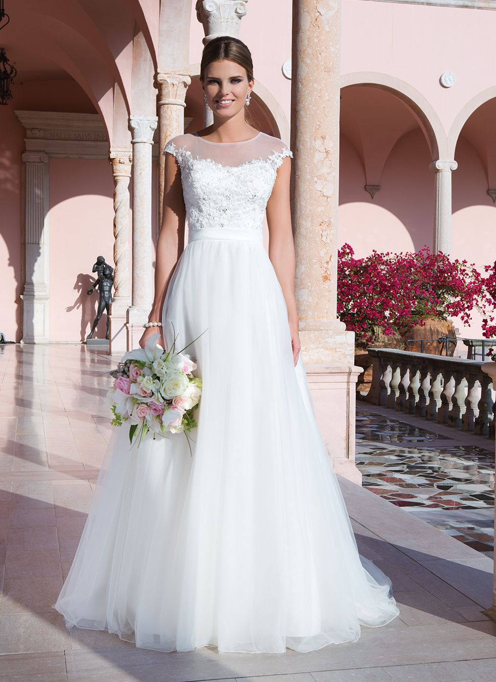 Maternity beach wedding dresses   Sweetheart Gowns sweetheart style  Tulle embroidered lace