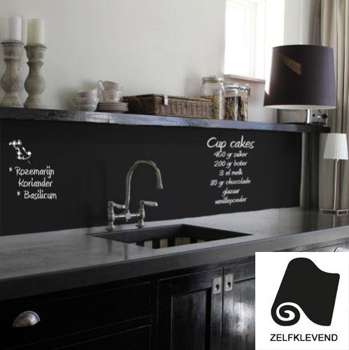 Uniek krijtbordbehang keuken 100 cm. Heel simpel en leuk! Gebruik het krijtbordbehang keuken 100 cm voor het schrijven van leuke recepten en meer.