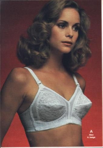 ee87401076 Pointy 1970 s Playtex bra