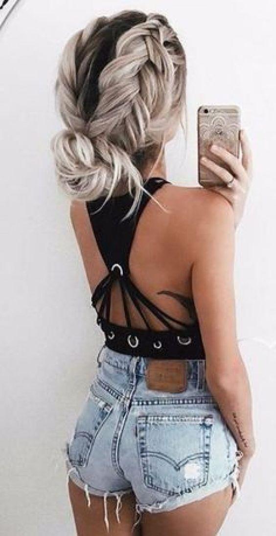 Les coiffures tendance à adopter l'été 2018 #coiffure #tendance #été #coiffure #inspiration #beauté #aufeminin #chignon #tresse #blonde