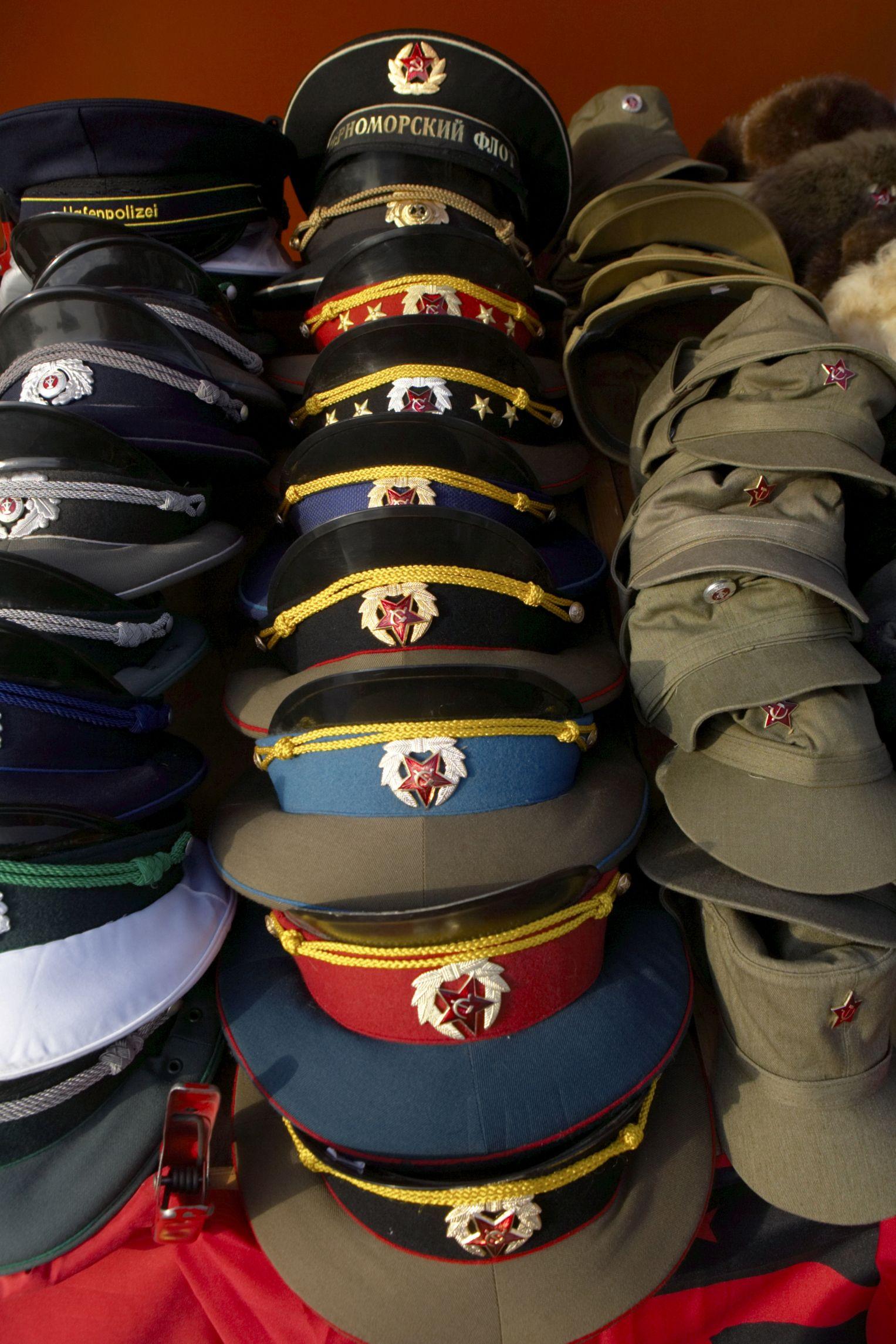 Cómo hacer una gorra militar  a4430281551
